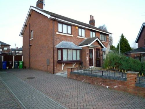 House to let in Moston, Manchester