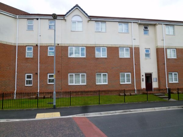 Flat for rent in Blueberry Ave, Moston