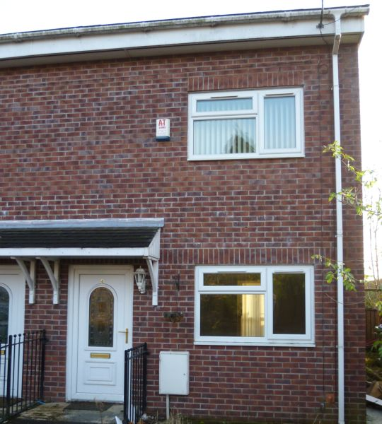 House fro rent in middleton, Manchester