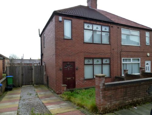 House to let Middleton M24 6BB