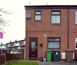 2 bed house for rent in Middleton Manchester